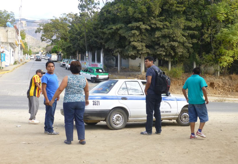Pobladores denuncian abusos de  elementos de la AEI en la Cañada | El Imparcial de Oaxaca