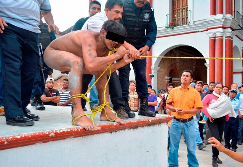 En Tlaxiaco, Oaxaca, pobladores hartos exhiben y humillan a presunto ladrón | El Imparcial de Oaxaca