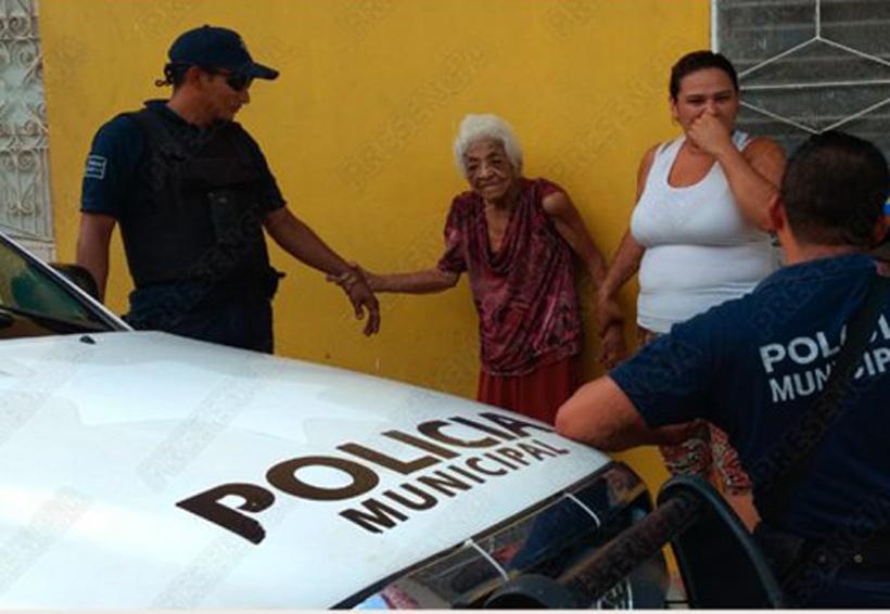 Indigna abandono de señora de 90 años por  parte de sus hijos   El Imparcial de Oaxaca