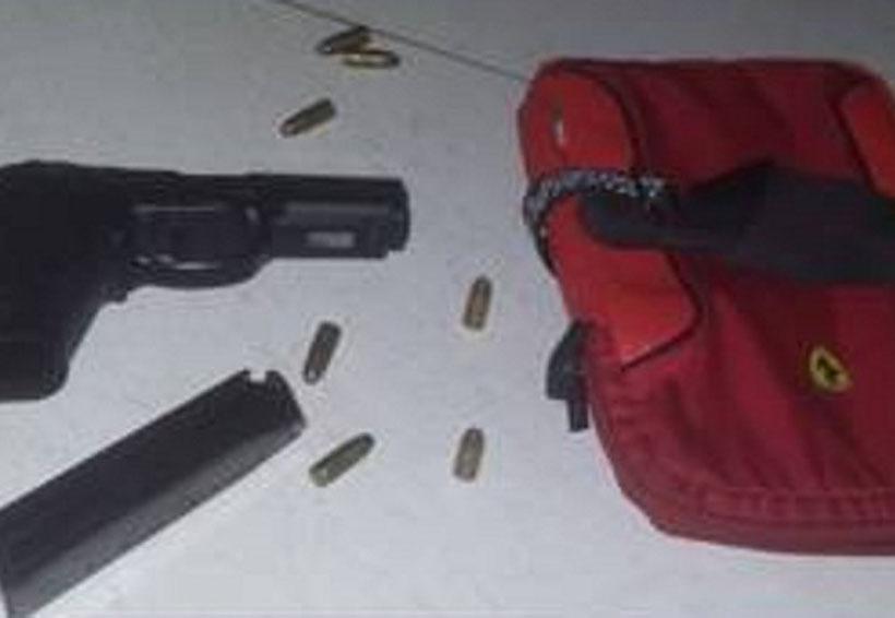 Niega comandante de la AEI de la Mixteca tener nexos con joven armado | El Imparcial de Oaxaca