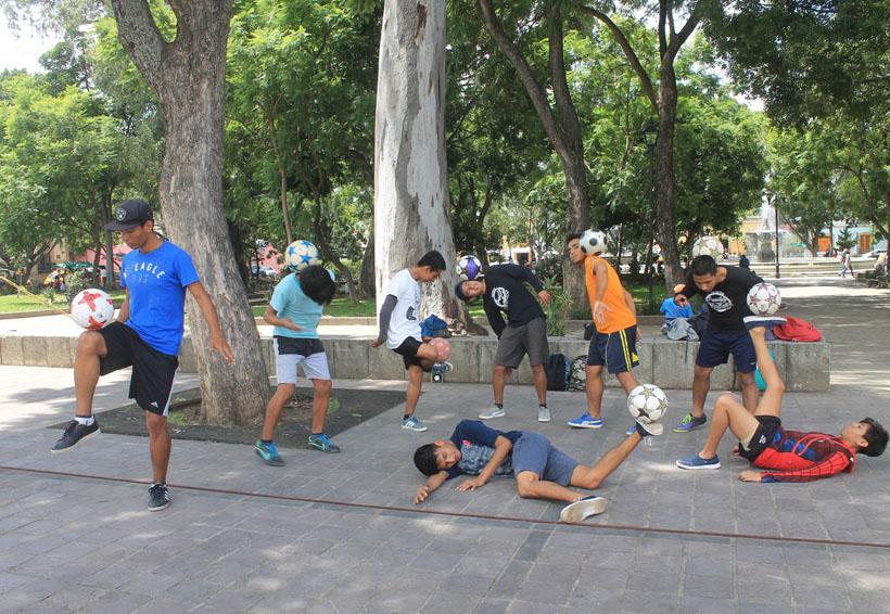 Darán una probadita de futbol freestyle en la colonia Reforma   El Imparcial de Oaxaca