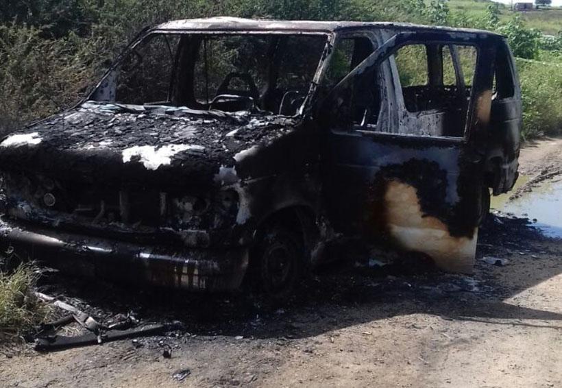 Queman camioneta de iglesia cristiana ' La Voz de Jesucristo' en Oaxaca | El Imparcial de Oaxaca
