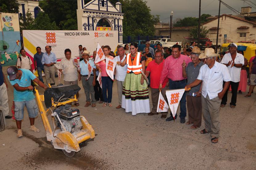 Daa  banderazo a importantes obras en Santo Domingo Tehuantepec | El Imparcial de Oaxaca
