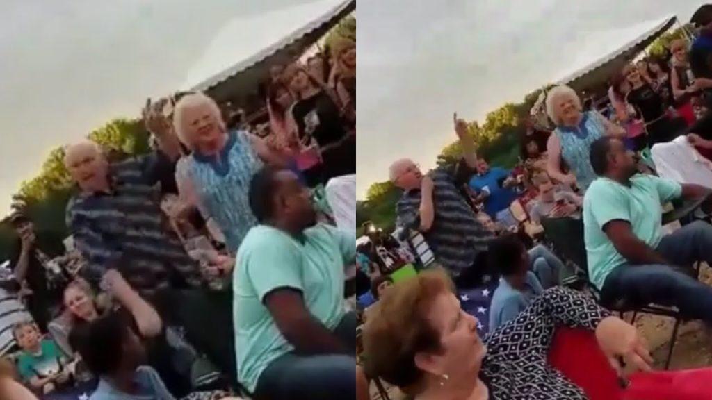Unos abuelos bailongos se convierten en las estrellas de un festival musical | El Imparcial de Oaxaca