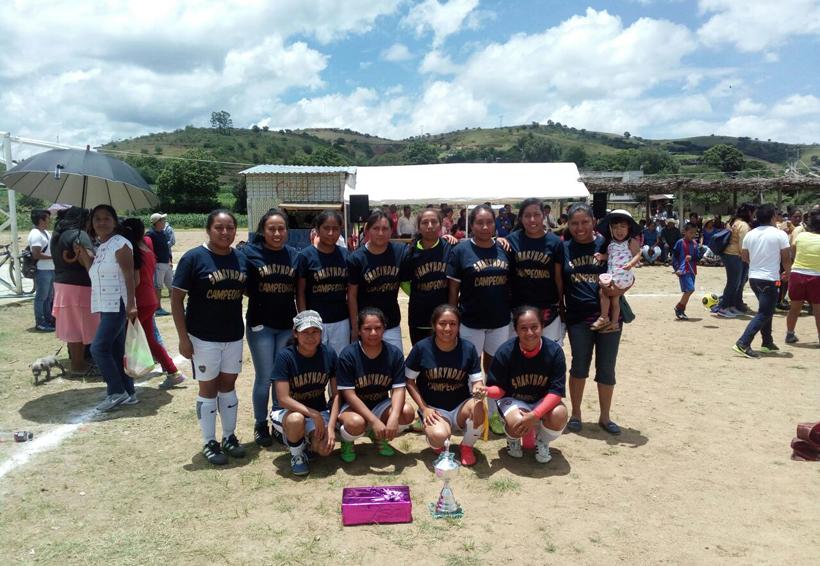 Shamary Day se corona en el torneo de futbol femenil de Telixtlahuaca   El Imparcial de Oaxaca