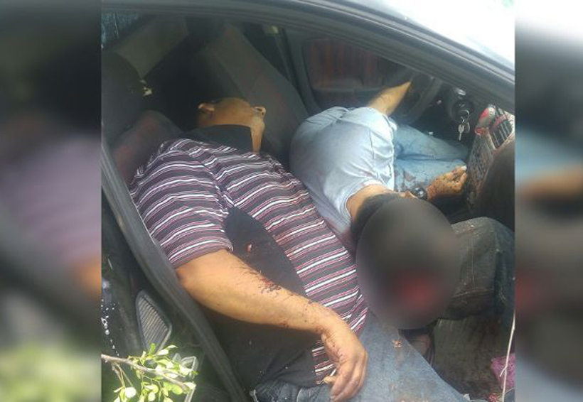 Encuentran camioneta con dos cadáveres | El Imparcial de Oaxaca