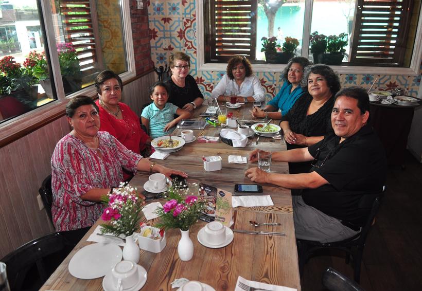 Amistoso reencuentro | El Imparcial de Oaxaca