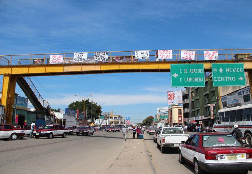 Alertan a la sociedad de Oaxaca sobre los riesgo de asalto en puente peatonal   El Imparcial de Oaxaca