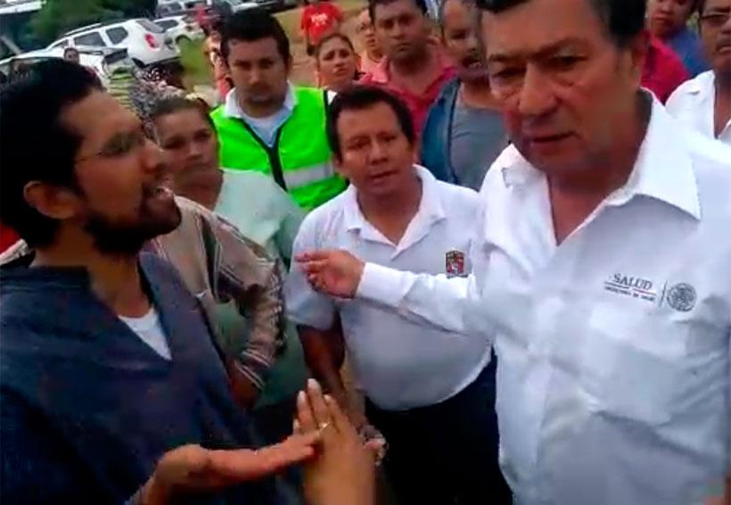 Niega titular de Servicios de Salud de Oaxaca entorpecer llegada de víveres al Istmo | El Imparcial de Oaxaca