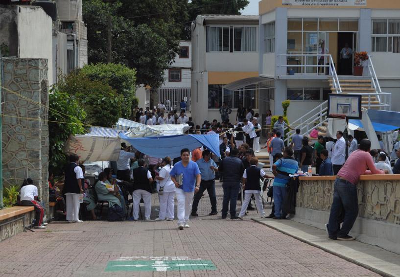 Burócratas de tres dependencias no regresan a laborar en Oaxaca | El Imparcial de Oaxaca
