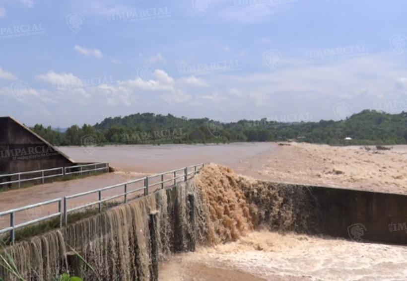 Alcanza nivel crítico el río Verde, siete comunidades corren riesgo en la Costa | El Imparcial de Oaxaca