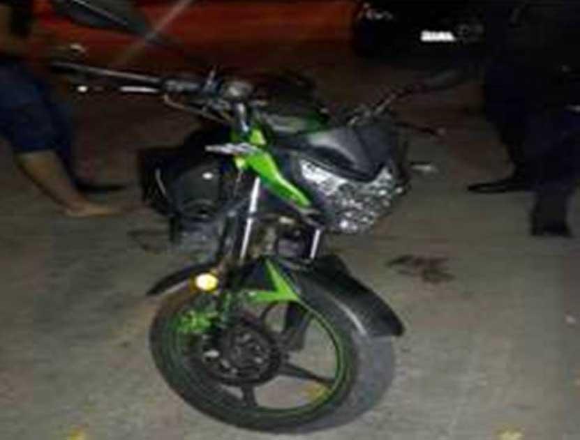 Chocan y derrapan motociclistas en Huajuapan de León, Oaxaca | El Imparcial de Oaxaca