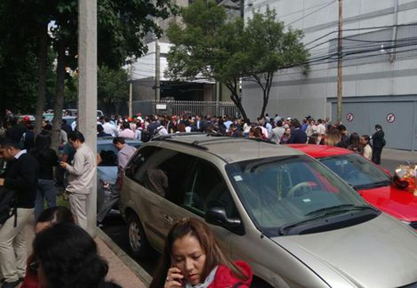 Tras amenaza de bomba, desalojan la Torre de Pemex | El Imparcial de Oaxaca