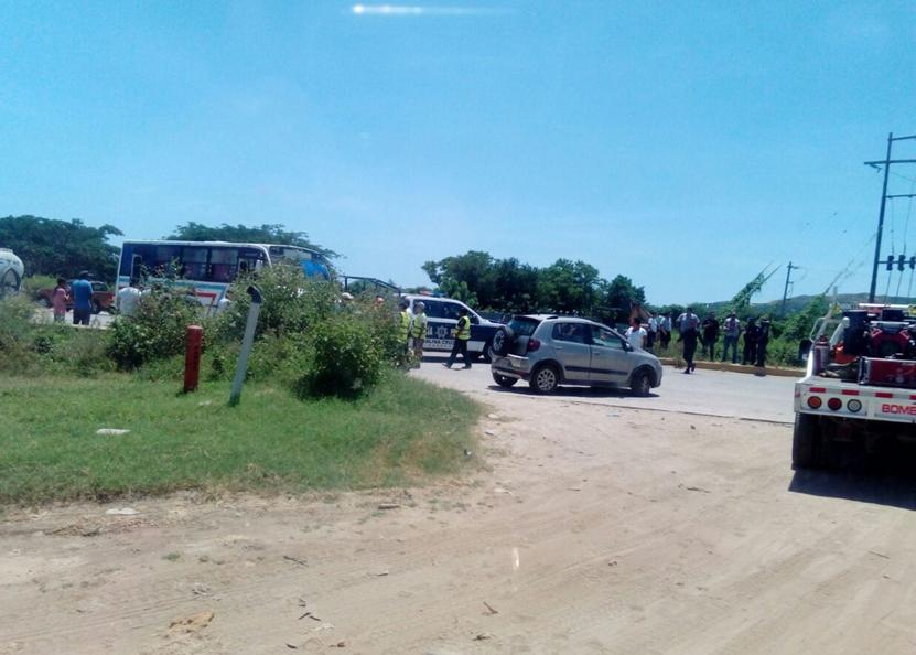 Aparatoso impacto en  Salina Cruz, Oaxaca | El Imparcial de Oaxaca
