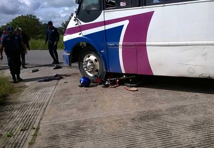 En Zaachila, camión urbano atropella a motociclista; chofer huye | El Imparcial de Oaxaca