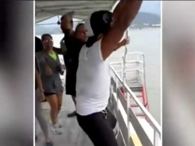 Video: Por lucirse, stripper cae de barco mientras baila   El Imparcial de Oaxaca
