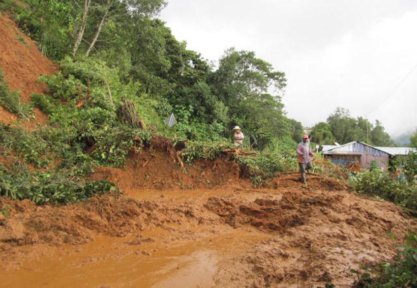 Siguen derrumbes en la Mixteca de Oaxaca | El Imparcial de Oaxaca