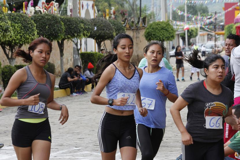 Corren en honor a  San Miguel Arcángel | El Imparcial de Oaxaca