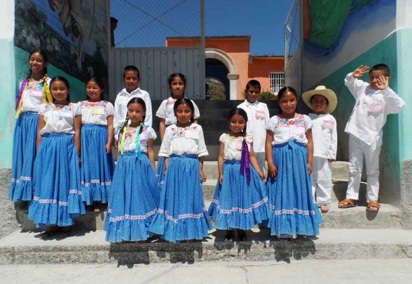 Habitantes de Tlacotepec Plumas piden respeto a su cultura | El Imparcial de Oaxaca