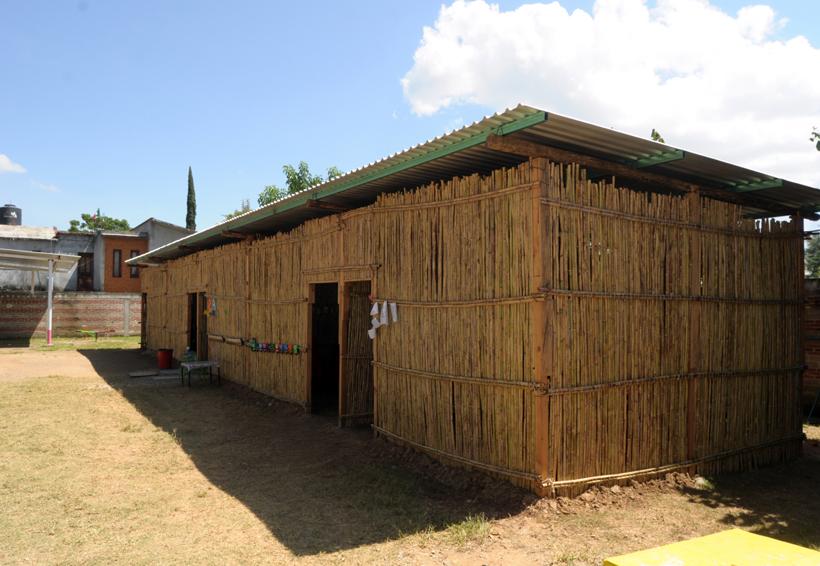 Aprenden entre láminas y carrizos en San Lorenzo Cacaotepec, Oaxaca | El Imparcial de Oaxaca