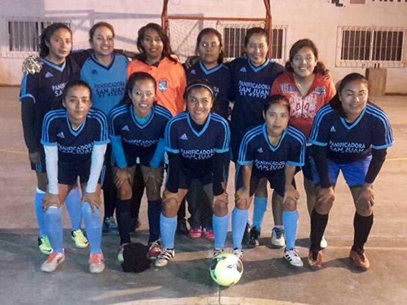 Damas en acción en Candiani | El Imparcial de Oaxaca