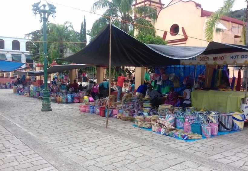 Mantienen tradición de plaza de Día de Muertos en Cuicatlán, Oaxaca | El Imparcial de Oaxaca