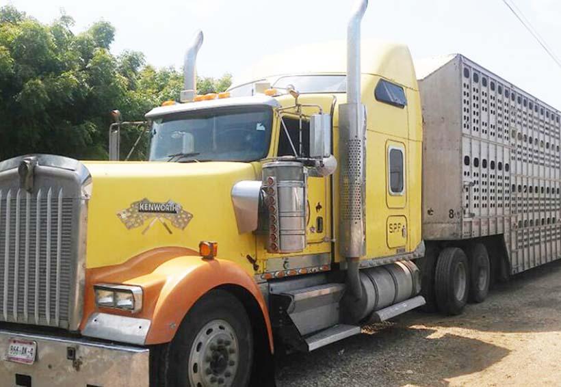 Decomisan más de un millón de pesos en un camión | El Imparcial de Oaxaca
