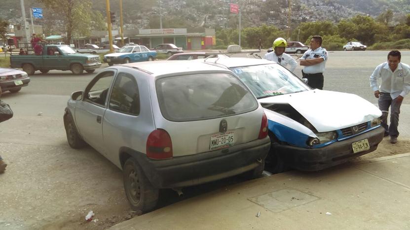 Choque de autos en Oaxaca deja 5 lesionados | El Imparcial de Oaxaca