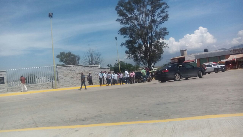 Denuncian fraude en escuela rural de Reyes Mantecón | El Imparcial de Oaxaca