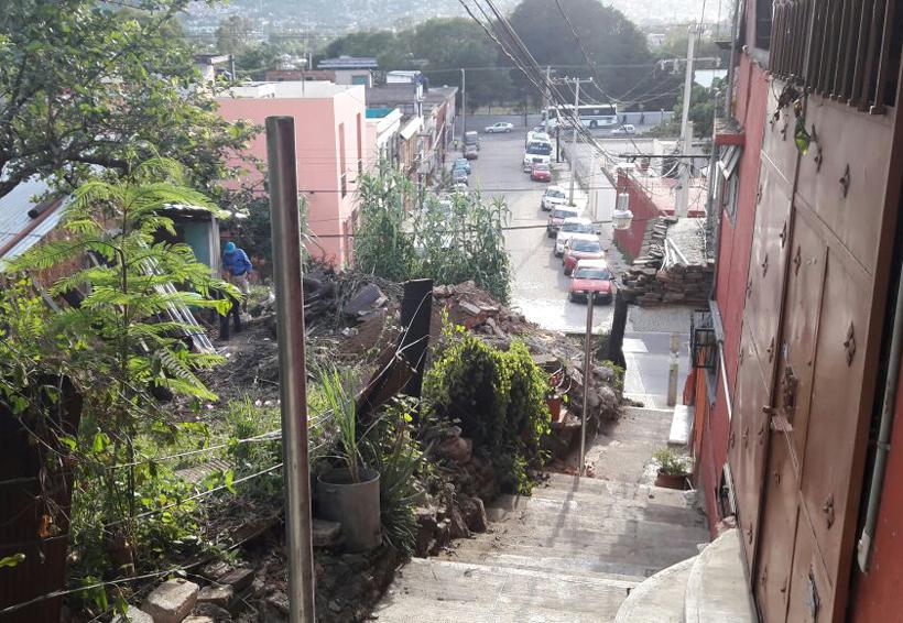 Denuncian invasión de la vía pública en el Ex Marquesado, Oaxaca | El Imparcial de Oaxaca
