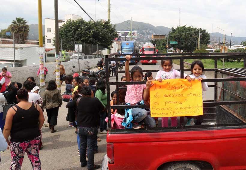 Piden padres otro dictamen para escuela de Oaxaca | El Imparcial de Oaxaca