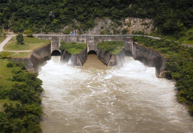 El desfogue de la presa en la Cuenca se sigue realizando sin problema | El Imparcial de Oaxaca