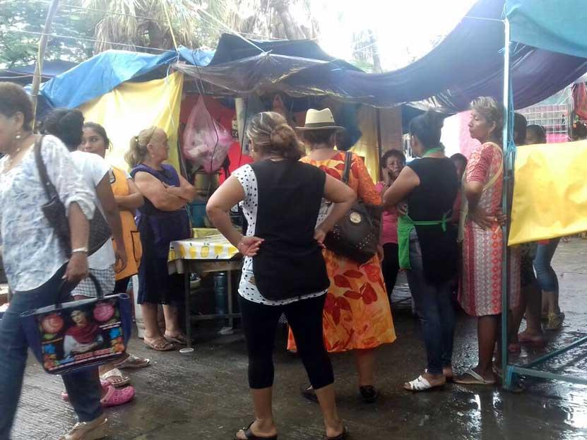 Saquean comedores del mercado porteño en Salina Cruz, Oaxaca   El Imparcial de Oaxaca