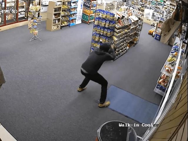 Entra a robar en una tienda e inmediatamente entiende que se había metido en el lugar equivocado | El Imparcial de Oaxaca