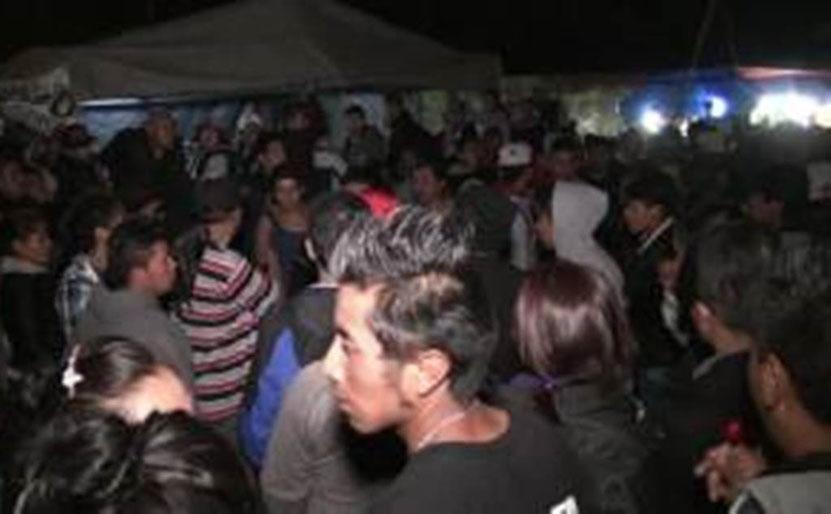 Escandaliza en baile popular; lo apresan en Huajuapan de León, Oaxaca   El Imparcial de Oaxaca