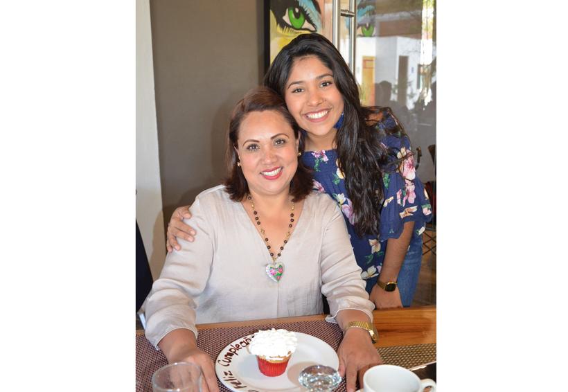 ¡Qué cumplas más años Martha! | El Imparcial de Oaxaca