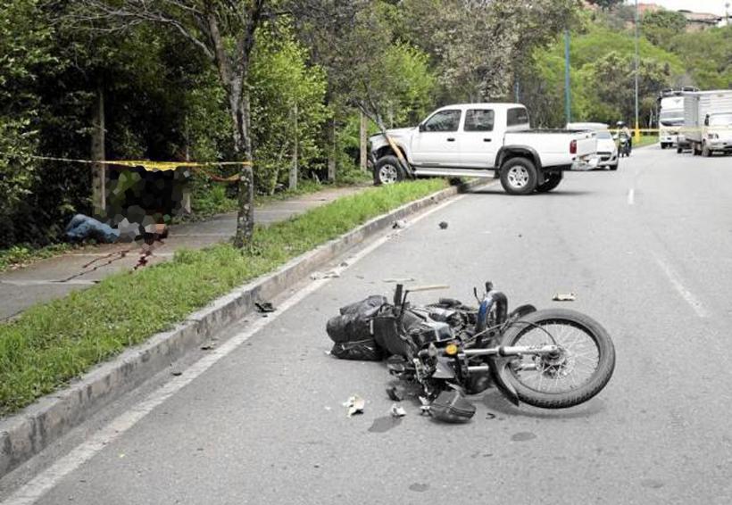 Motociclista embestido por intentar ganar el paso   El Imparcial de Oaxaca