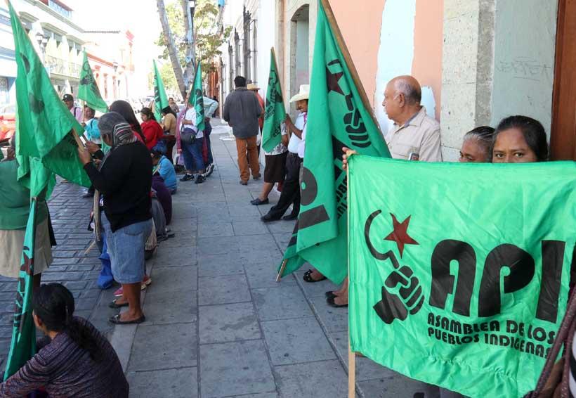 Crónica: Primero vienen a pedir y luego no cumplen…   El Imparcial de Oaxaca