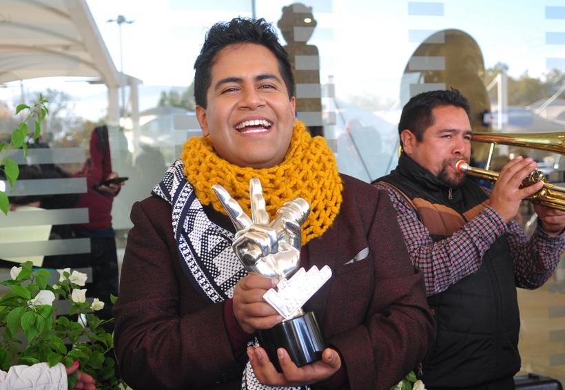 Luis Adrián, una voz oaxaqueña que nunca se rindió | El Imparcial de Oaxaca