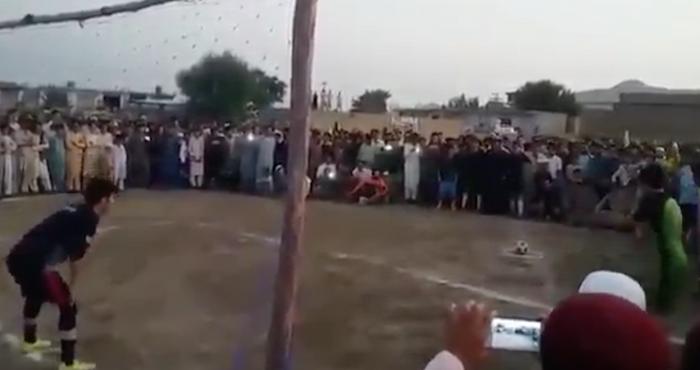 El desenlace de un penalti en un torneo de futbol que no esperaban los aficionados   El Imparcial de Oaxaca