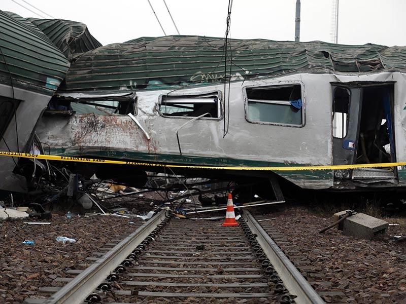 Se descarrila tren en Milán; reportan 3 muertos   El Imparcial de Oaxaca
