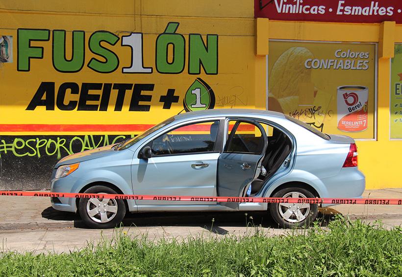 Abandonan el cadáver de un hombre dentro de vehículo | El Imparcial de Oaxaca