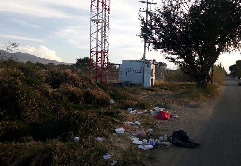 Piden no tirar basura cerca del aeropuerto en Oaxaca | El Imparcial de Oaxaca