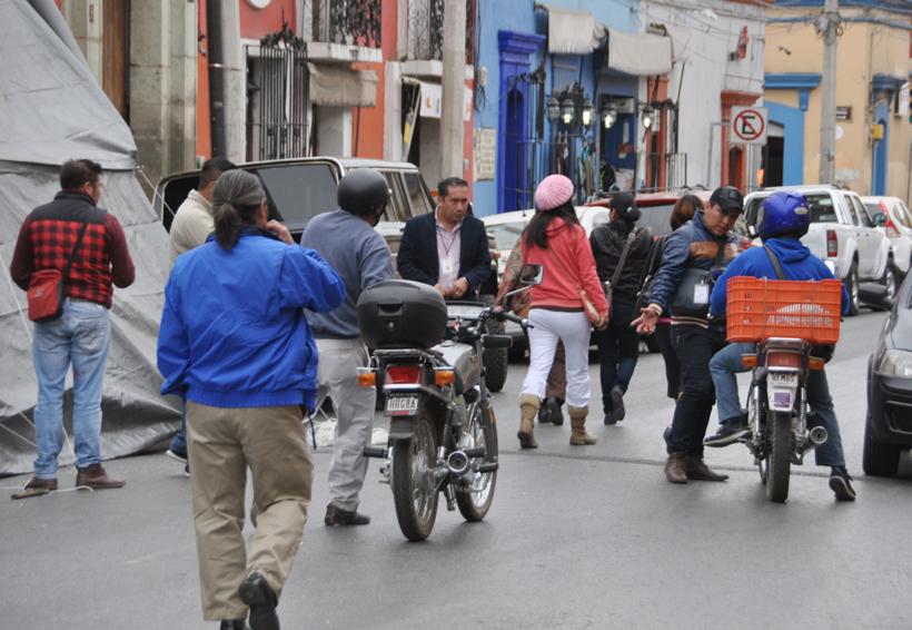 Bloquea SITyPS por falta de pago a 300 agremiados   El Imparcial de Oaxaca
