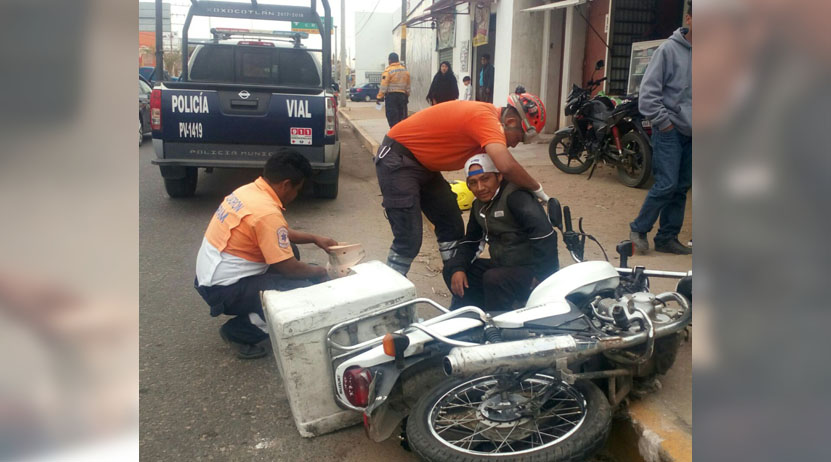 Al piso, repartidor de tortas en carretera a Zaachila, Oaxaca   El Imparcial de Oaxaca