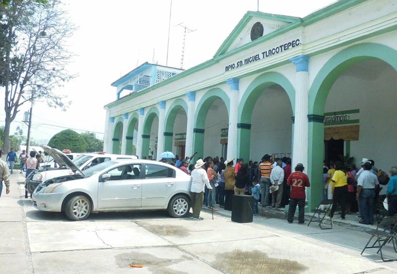 Pide FIOB a edil de San Miguel Tlacotepec que asuma su compromiso   El Imparcial de Oaxaca