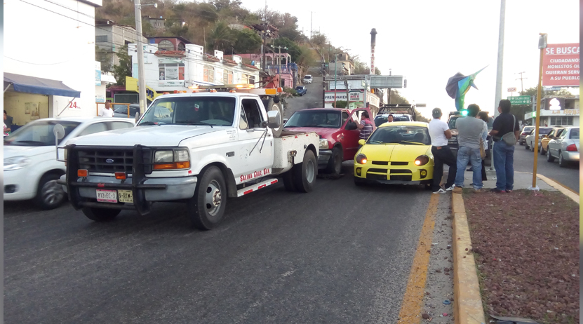 Choque en la Transístmica en Salina Cruz, Oaxaca | El Imparcial de Oaxaca