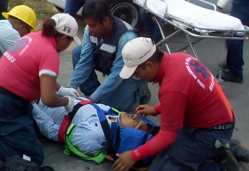 Guardia de seguridad cae de camioneta al querer detenerla en Xoxo   El Imparcial de Oaxaca