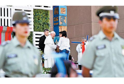 Cuidan al papa 4 mil policías por conflictos   El Imparcial de Oaxaca