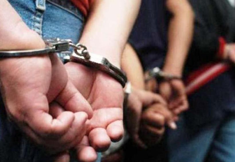 Arrestan a adolescentes por asalto a transeúnte con arma de fuego | El Imparcial de Oaxaca